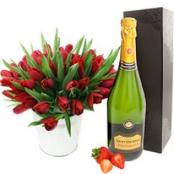 Valentines Tulips with Prosecco Bubbly