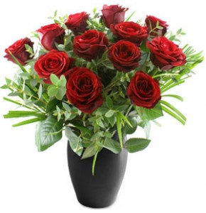 Dozen Red Roses & Free Chocolates